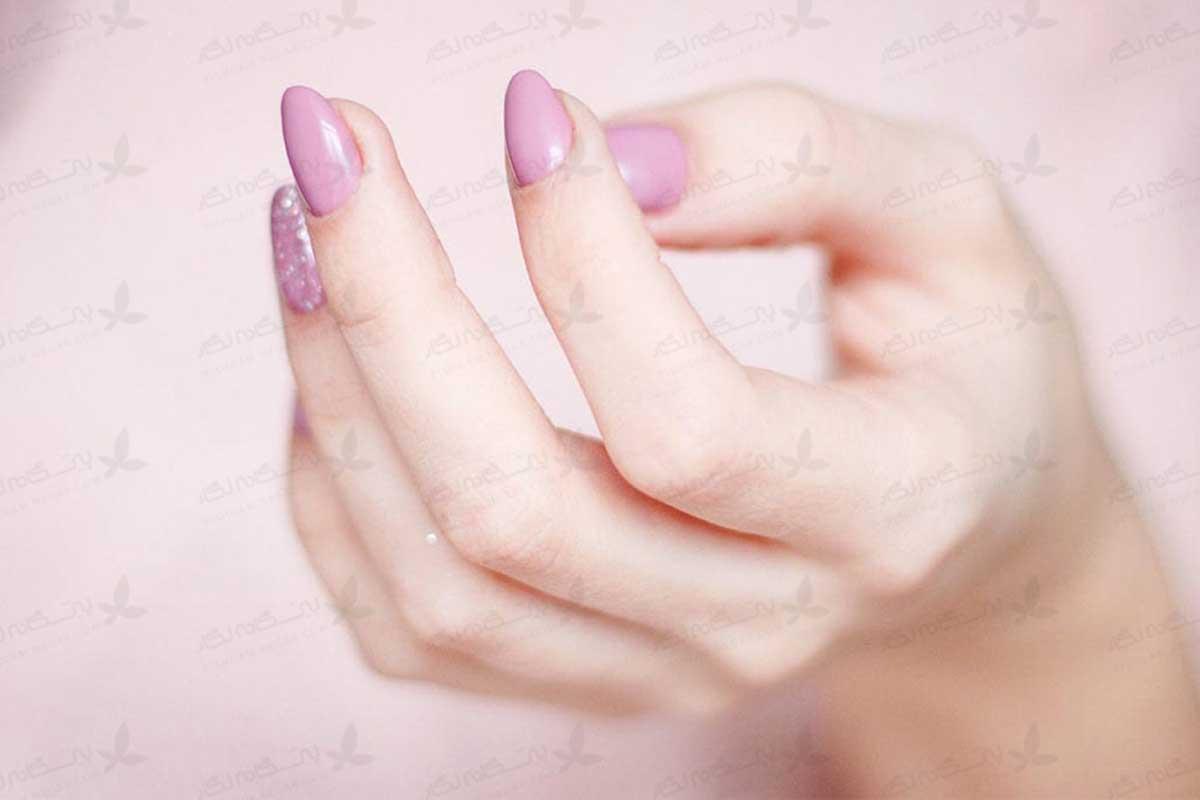 درمان پوسته پوسته شدن اطراف ناخن